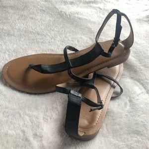 Nine West flat black sandals